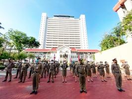กิจกรรมเคารพธงชาติประจำเดือน พ.ค. 63 บริเวณหน้าอาคาร 1 ตร.