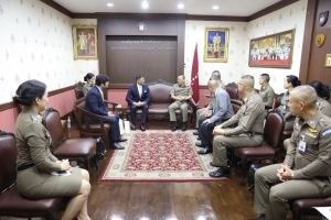พล.ต.ท.ธนพล  ศรีโสภา ผบช.ส. ให้การต้อนรับ นาย อาชวิน เอ็ม คอทนิส (Ashwin M. Kotnis)  ที่ปรึกษา สอท.อินเดีย ประจำประเทศไทย